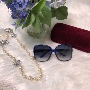 GUCCI blue GG0506S Heart logo oversized sunglasses